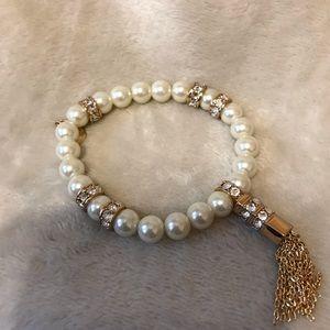 Henri Bendel stretch bracelet